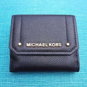 NWT Michael Kors Hayes trifold coin case wallet MK